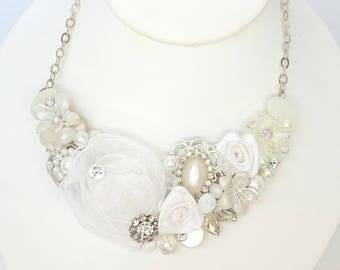 White bridal necklace- Pearl Bridal Bib- Pearl necklace- Wedding Neckace- Vintage inspired Necklace-Soft White Necklace-Floral Bib Necklace
