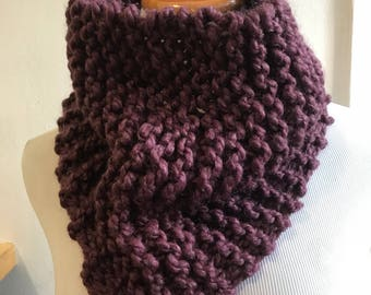 Chunky knit scarf in fig, chunky knit cowl, circle scarf, knit eternity scarf, winter accessories, purple