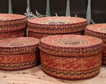 Handsome Vintage Set of Five Woven Nesting Baskets with Lids / Red, Green, and Blue Accents / Home Decor / Sewing / Crafting Storage