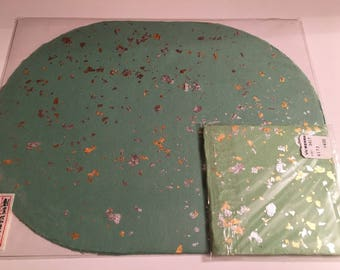 Green Paper placemat and coaster set.