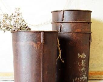 Vintage rustic metal bucket, garden planter, industrial decor, farmhouse, rustic decor, flower bucket, sap buckets