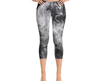 Octopus Abstract Inverse Black and White Printed Capri  Leggings