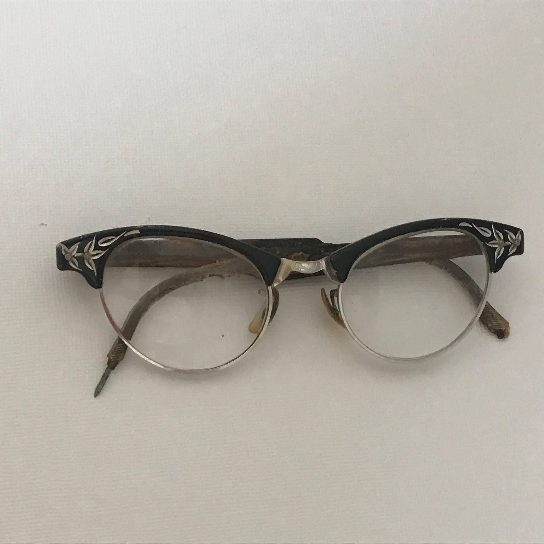 9165029ff5 Vintage 1960s Cat Eye Glasses