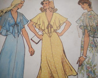 Vintage 1970's Simplicity 6898 Halter Dress Sewing Pattern Size 12 Bust 34