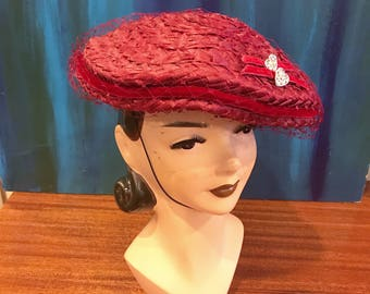 CRANBERRY RED VELVET 1950's Vintage 1950s Straw & Heart Shaped Rhinestone Buttons Tilt Disc Flying Saucer Beret Fascinator Hat w Netting