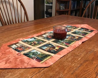 Early American Country Scene Table Runner in Shades of Pink and Blue