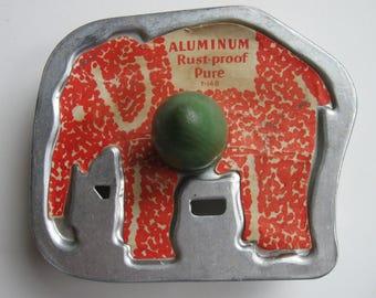 Vintage Elephant Cookie Cutter Green Wood Handle Original Label T-148