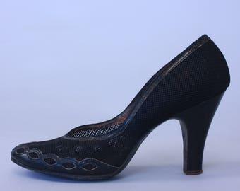1940s Plexus pumps | vintage 40s 50s black mesh babydoll heels with cut out scallop edge | size 6.5B 6 1/2