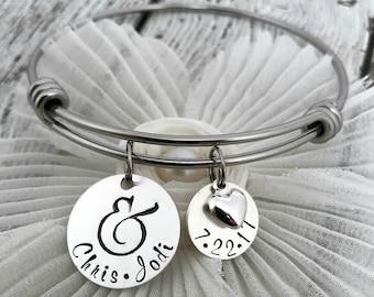 Wedding Date Bracelet, Personalized Bridal Shower Gift, Gift for Bride, Bride to Be Gift, Personalized Bracelet for Bride