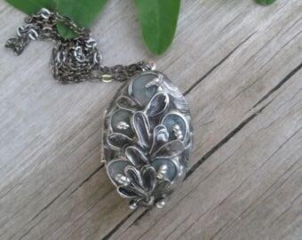 Necklace Medaillon Photo  with  aquamarine