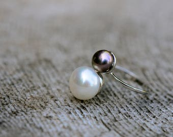 black and white double pearl open ring on sterling silver