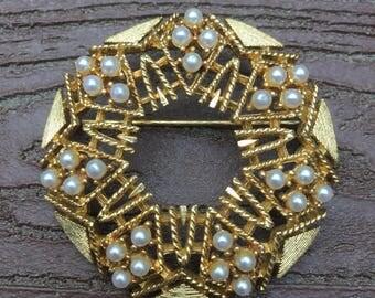 Vintage Signed Lisner Pin Brooch