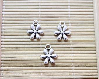 50 antique silver flower daisy pendant charms
