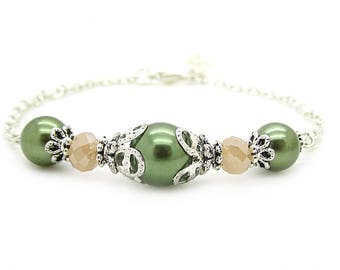 Peach and Olive Pearl Bracelets, Olive Green Bridal Jewellery, Green and Peach Bridesmaids, Simple Pearl Jewellery, Bridesmaid Gift Idea