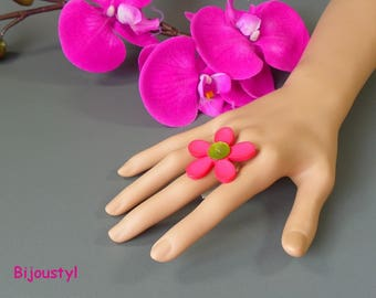 """Fancy ring fuchsia and green ring """"flower"""" adjustable"""