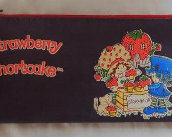 vintage STRAWBERRY SHORTCAKE pencil case