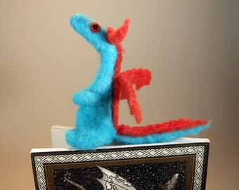 Felted dragon bookmark/needle felted dragon /blue red dragon/bookworm bookmark gift/bibliophile bookmark/miniature dragon bookmark/dragon