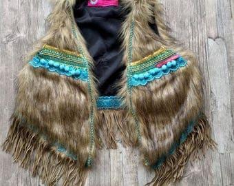 Boho Fur Gilet Bodywarmerwith fringe