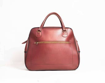 60s Oversize Habdbag -  Mod  -  60s Overnight Bag  -  Cherry Red Vintage Vinyl Handbag  -  Retro Handbag  -  Sixties Accessories  -