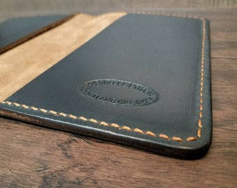 Field notes cover Navy Chromexcel Horween leather.