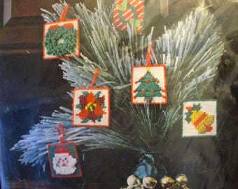 Sew Simple Plastic Canvas Kit CHRISTMAS Ornaments (6) Easy Fun Craft 1982
