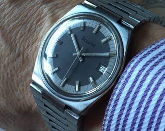 Beautiful Accurist 1970s 21 jewel steel Automatic Swiss watch.