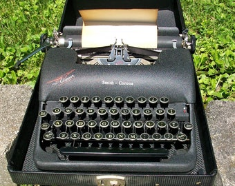 Vintage Smith Corona Clipper Portable Typewriter Original Case ~ Works