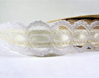 "Vintage White Lace Ribbon Trim 1 1/4"" 1 Yard"