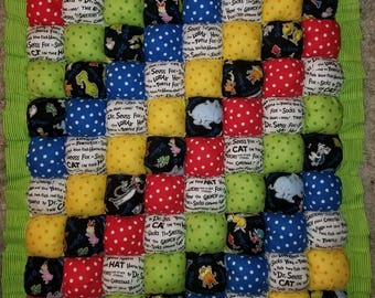 Dr Seuss Tummy time baby bubble quilt