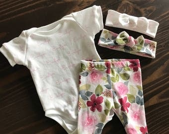 Personalized Short Sleeve Onesie and Coordinating Legging Set in Organic Cotton for Babies and Kids - You Choose Fonts Colors Symbols