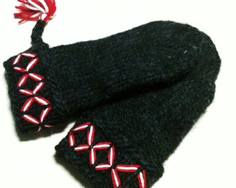 Swedish Lovikka mittens, handmade knitted mittens. Felted Black embroidered Size L warm mittens scandinavian design christmas gift folklore