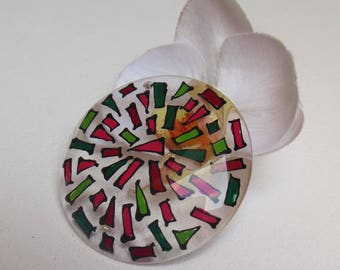 pretty Pearl Locket pendant made of plastic