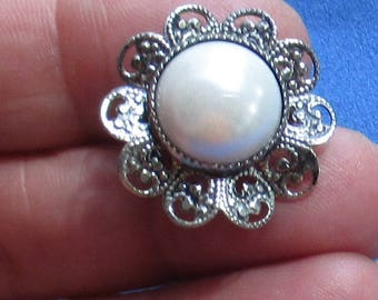 Vintage Flower Shaped White Faux Pearl Cabochon Brooch
