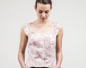 White fitted blouse with floral type lyberty