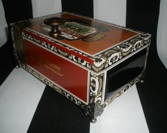 Fuente Magnum R Cigar Box Valet, Watch Box, Stash Box, Momento Box, Gun Box, Guy Gift, Groomsman Gift, Authentic, Tampa