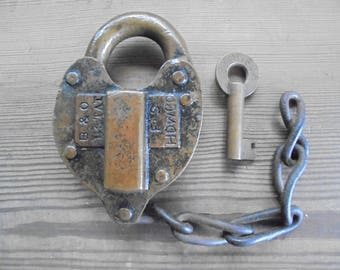 Vintage Old Padlock With Key!