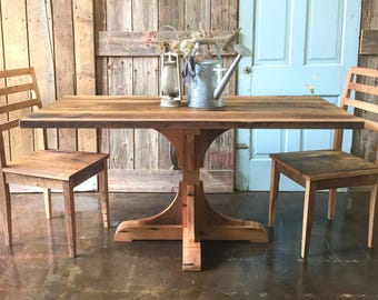 Farmhouse Barnwood Table / Kitchen Table with Pedestal Base