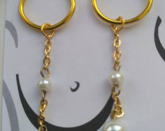 clit chain Attaching