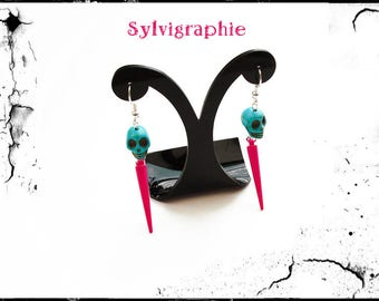 Earrings with skull and pink spikes
