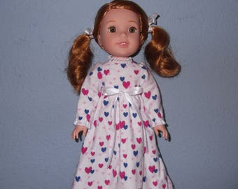 Wellie Wisher doll nightgown