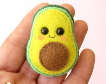 Avocado felt brooch - Kawaii avocado - Cute avocado pin - Avocado ornament - Fruit felt brooches - Avocado pin accessory - Felt accessory