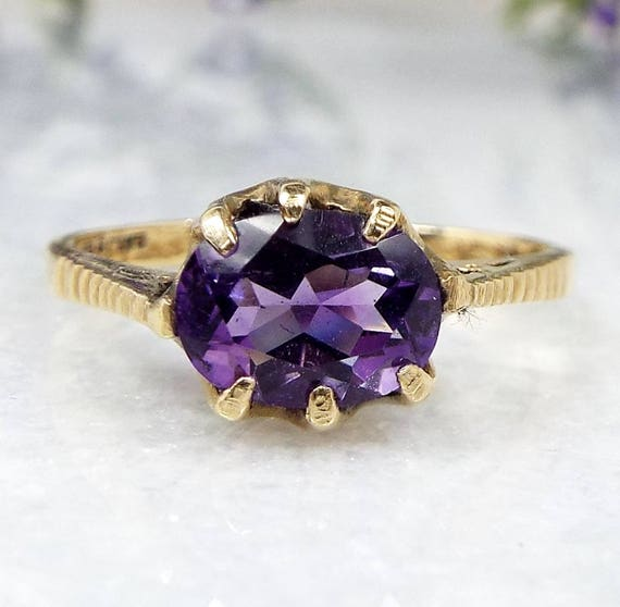 Vintage / 9ct Yellow Gold Victorian Style Purple Amethyst Solitaire Ring Size P