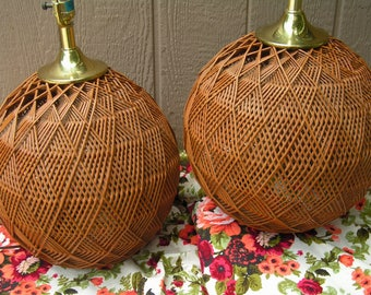 Pair Vintage Retro Mod Geometric Woven Rattan Round Sphere Table Lamps Basket Wicker Beach Cottage Boho Chic Tropical