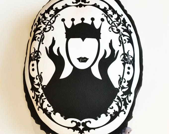 Evil Queen - Snow White Mirror Mirror on the wall pillow