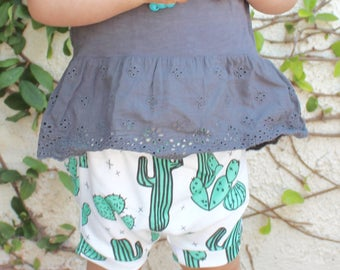 organic baby shorts. joshua tree bloomers . toddler shorts . baby harem shorts in cactus print . summer baby clothing  . baby desert pants