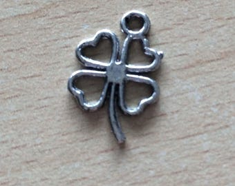 clover the charms in silver