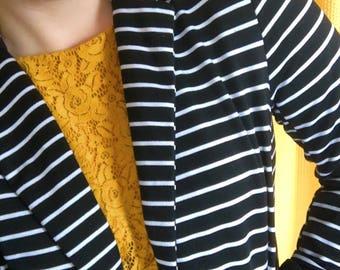black and white striped blazer! size L!