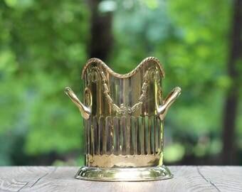 Vintage Brass Wine Bottle Caddy / Brass Wine Bottle Holder / Brass Wine Bottle Coaster / Ornate Wine Bottle Caddy / Brass Table Decor