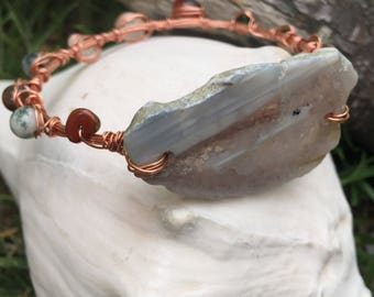 Wire geode bangle/ copper wire/polished geode/smaller gems