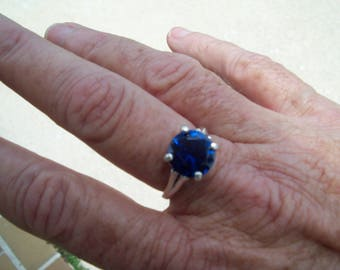 Genuine Faceted Blue Spinel Ring size 7, 10mm round in Sterling Silver